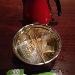 Kit for sterilizing with a kettle